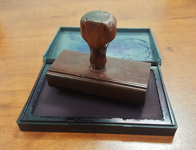 A Few Reasons to Consider Notary Work as a Part-time Job